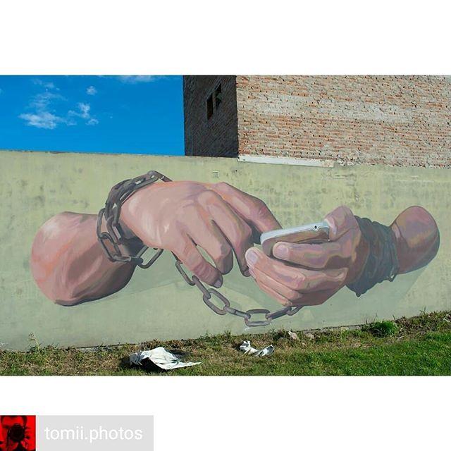 Repost de @tomii.photos -  ᵐᵘʳᵃˡⁱˢᵐᵒ ʸ ᵃʳᵗᵉ ᵖᵘᵇˡⁱᶜᵒ .Obra de @pezzdani.#arte #murales #pinterest #pinturas #muralismo #art #murals #kunst #painting#fotografiado #fotostumblr #photographie #photoday #instagramers #instagood #instanature  #fotografiado  #nikonargentina  #arg_salvaje  #instamaticgroup #urban #artecallejero #pinkhair #artecallejero #artecallejerolatinoamerica #arteurbano #arquitecture #diseño #celular #techno #urbant