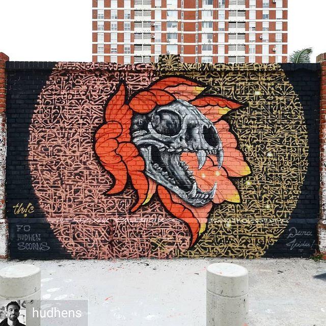 Repost de @hudhens -  Copper & Gold  Colab de ayer  con @scorns.one y @facu.nomercy.tattoo 🤟 rica fusión, Th!C  #art #mural #streetart #calligraffiti #moderncalligraphy #calligrafuturism #realism #neotraditional #design #urbanart #graffiti #wallart #tuhermanacrew